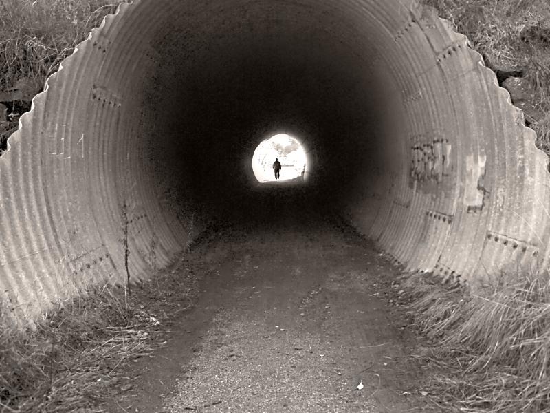 Valoa tunnelin päässä?